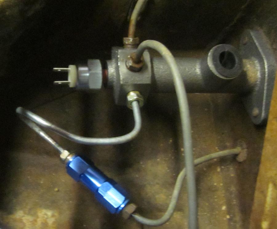 Brake Fluid Cost >> residual pressure valve 2 psi for disc brakes - Empi