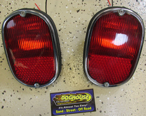 taillight assembly bus 62 to 71 Left or Right - used Doghouse