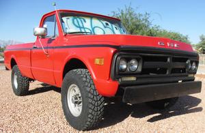 4 speed 3/4 ton long bed 4x4 1971 GMC Sierra w/ factory 350