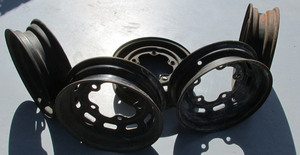 rim wide 5 oe with slots all the way around - stock - used 2 count